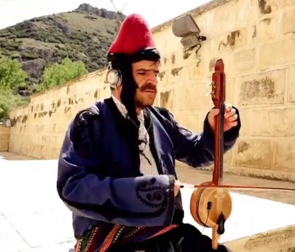 Antalyalı yerel sanatçı kalbine yenik düştü