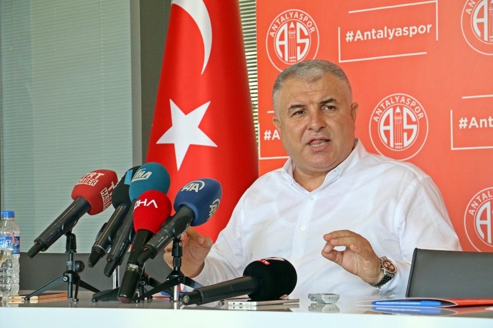 Antalyaspor Başkanı 'Gülerek gidiyorum' diyerek istifa etti