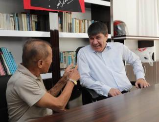 Başkan Türel'den Antalyasporlu eski futbolcu Eren'e ziyaret