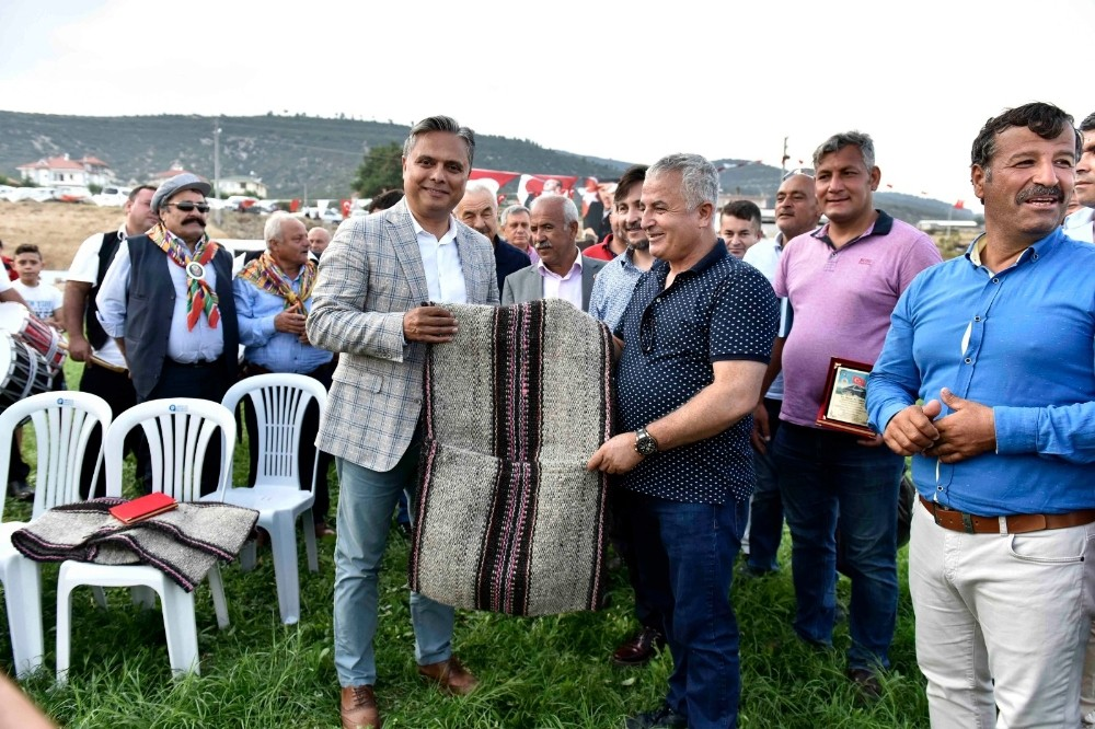 """Başkan Uysal: """"Yörük çadırlarını asla kaldırmayalım"""""""