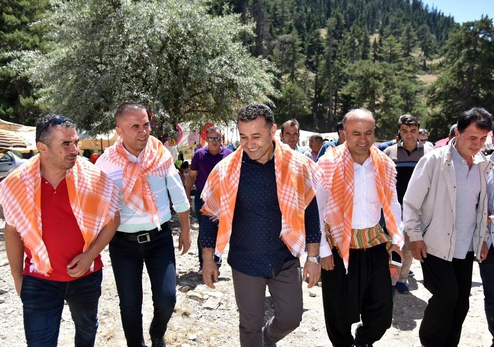 Başkan Yücel, Gevne Yayla Şenliği'ne katıldı