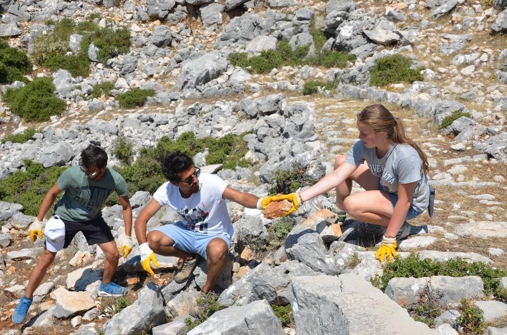Genç Gönüllüler, tarihi antik yolda çalıştılar