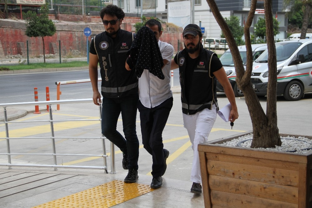 Kaçak ve sahte içki operasyonuna 1 tutuklama