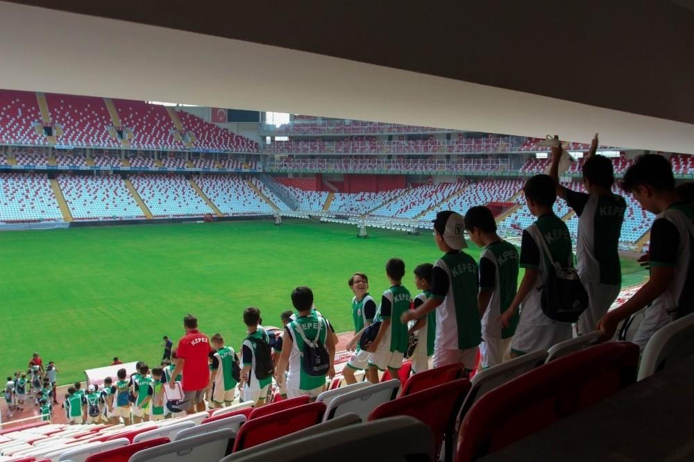 Kepez Belediyesi'nden yaz spor okulu öğrencilerine gezi