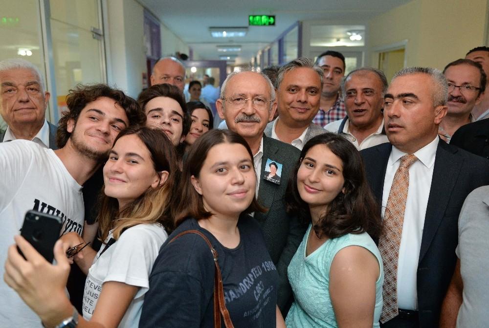 Kılıçdaroğlu, MURGEM'in başarılı gençlerini kutladı