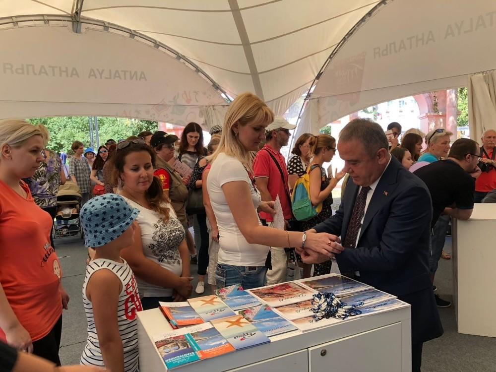 Konyaaltı Belediyesi Moskova'daki Türkiye Festivali'nde