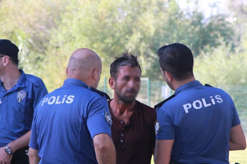 Manavgat Irmağı'na atlayan genç, polisi ve sağlık ekibini alarma geçirdi