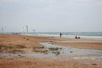 Manavgat'ta denize dökülen atık sular tatilcileri rahatsız ediyor