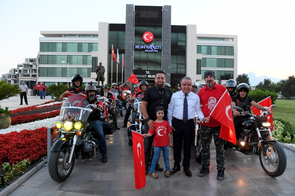 Motosikletçiler, Zafer Bayramı için toplandı