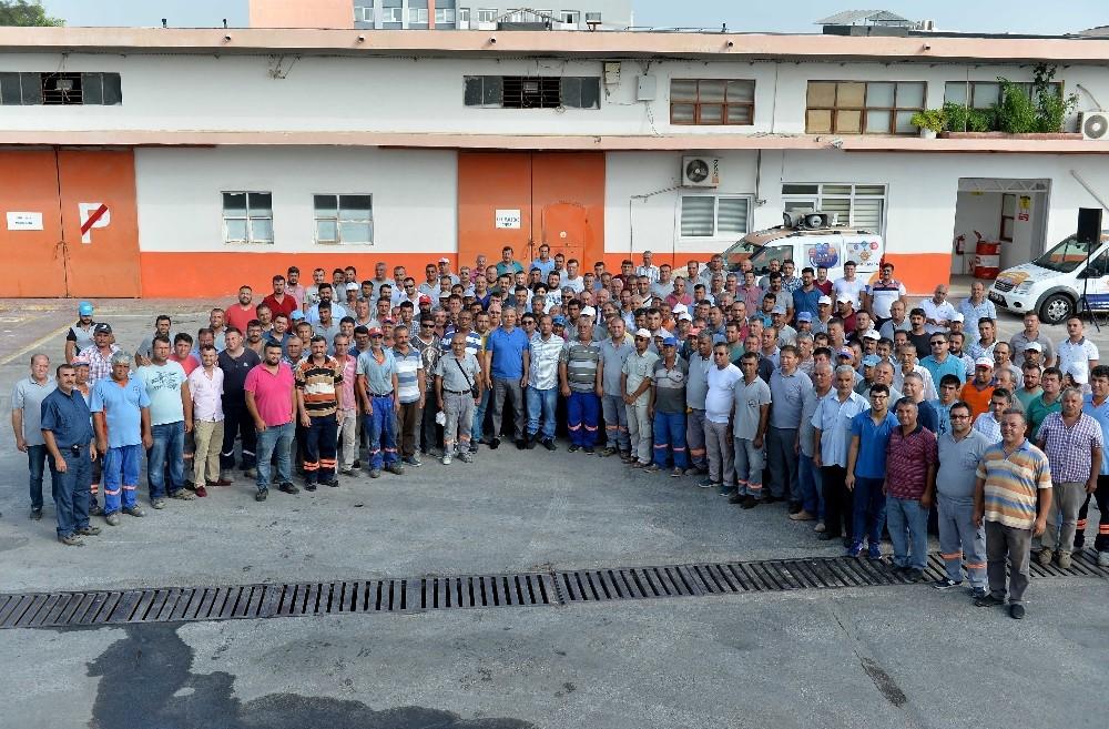 Muratpaşa Belediyesi bayramlaştı
