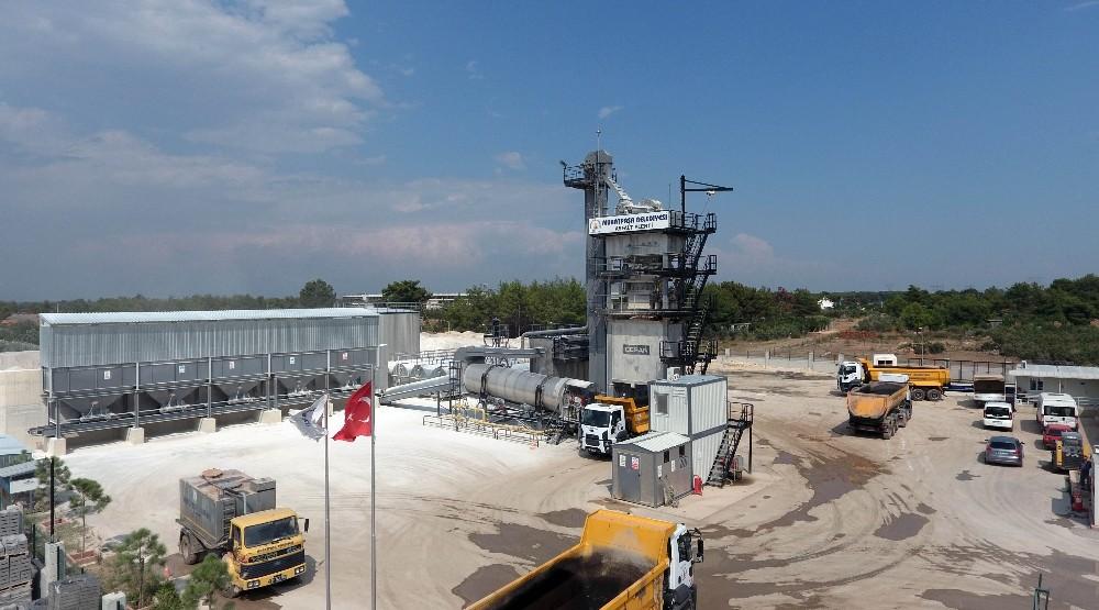 Muratpaşa'da 429 bin ton asfalt üretildi