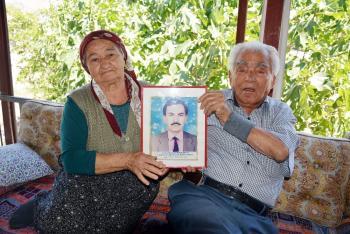Şehit anne ve babasının 24 yıl sonra buruk mutluluğu