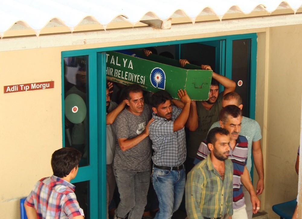 Suriyeli çocuğu ölüm lokantada yakaladı