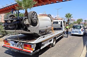 Takla attığı aracının hurdaya döndüğünü gören sürücü gözyaşlarına boğuldu