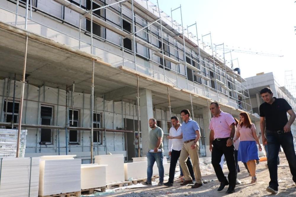 AK PartiliUslu, inşaat halindeki Demre Devlet Hastanesi'nde incelemelerde bulundu