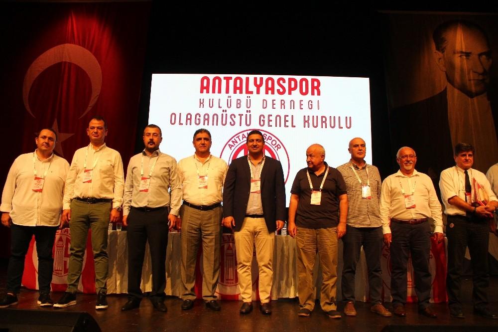 """Ali Şafak Öztürk: """"Amacımız hep beraber daha güçlü bir Antalyaspor oluşturabilmek"""""""