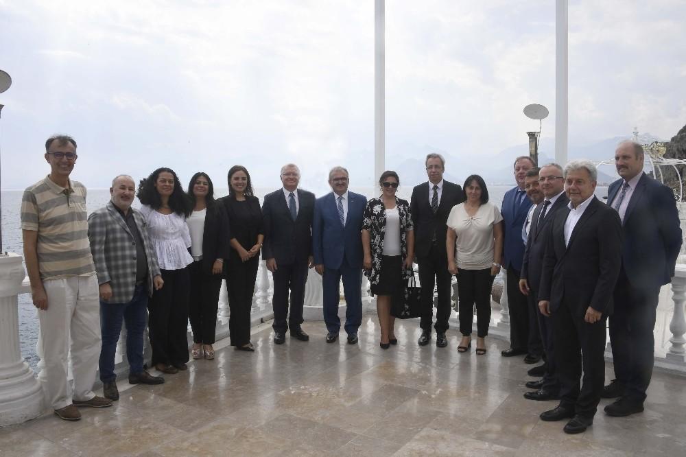 Antalya Konsoloslar Platformu Toplantısı