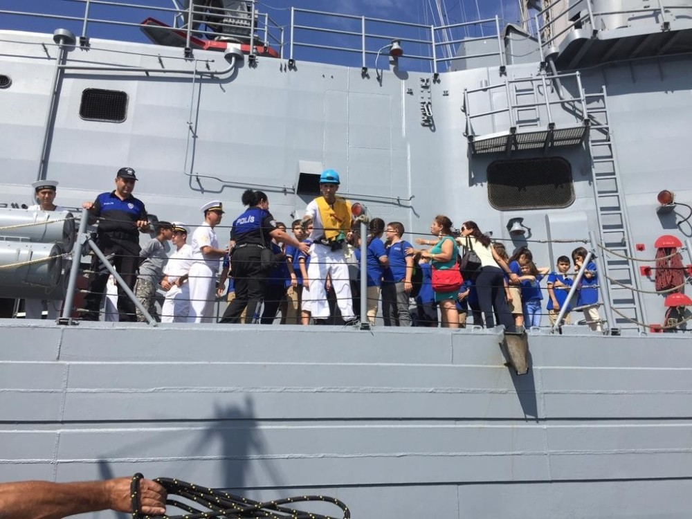 Antalya Polisinden öğrencilere Fırkateyn gezisi