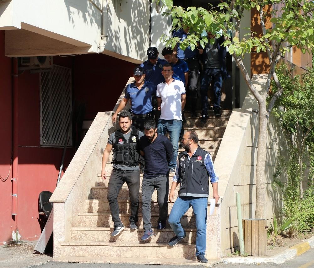Antalya'da 13 adrese eş zamanlı uyuşturucu operasyonu: 14 gözaltı