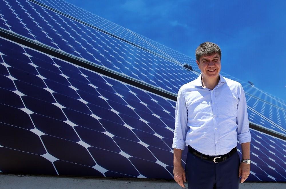 Antalya'da çiftçinin elektriği güneşten
