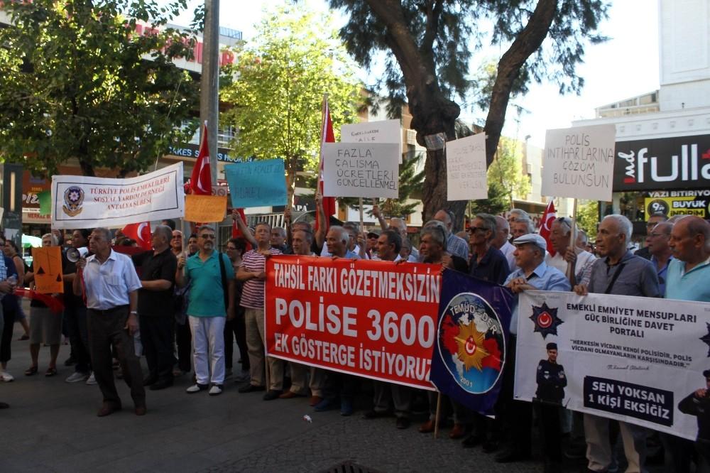 Antalya'da emekli polislerden 3600 ek gösterge talebi