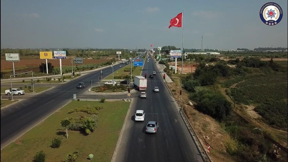 Antalya'da trafik dronla Denetlendi