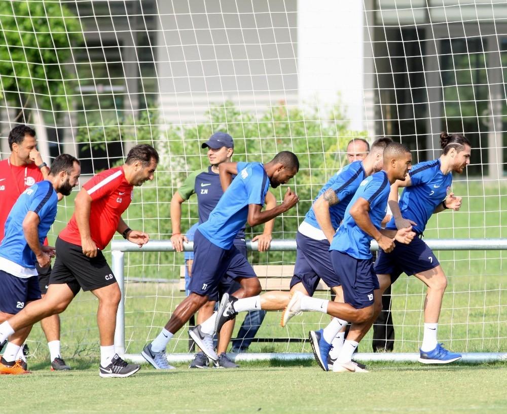Antalyaspor'da hazırlık maçına çıkacak