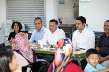 Başkan Yücel, kız yurdunda ailelerle buluştu