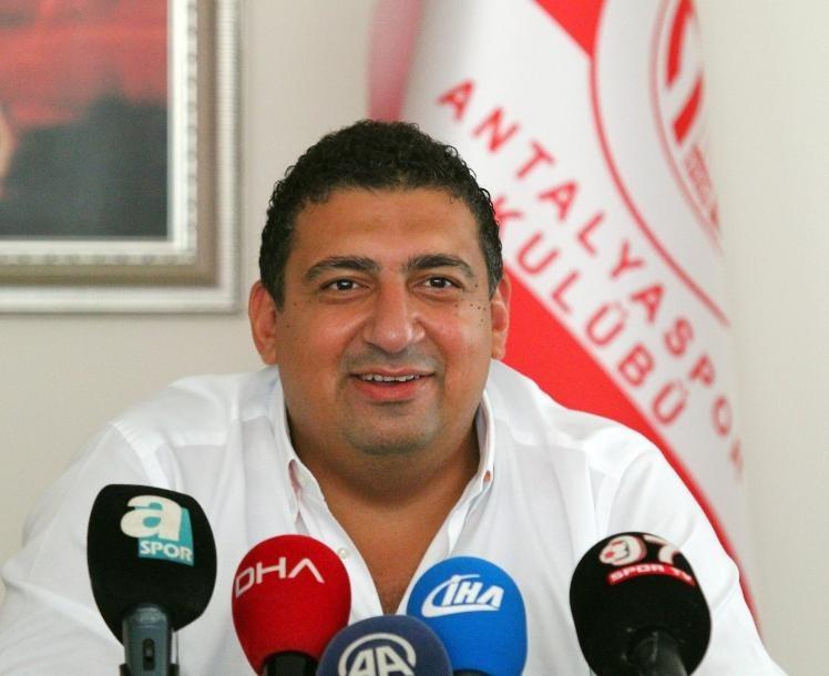 """(Düzeltme) Ali Şafak Öztürk: """"Antalyaspor, Avrupa'da oynayacak takım haline gelecek"""""""