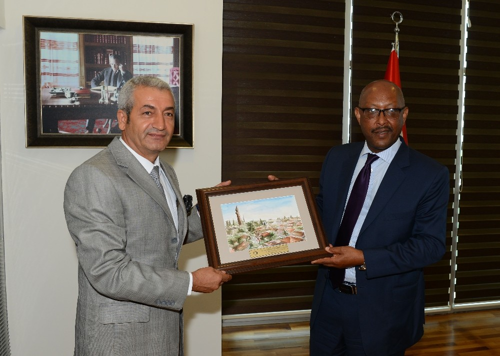 """Etiyopya Büyükelçisi Barkessa: """"Antalya'dan turizm konusunda öğreneceğimiz çok şey var"""""""