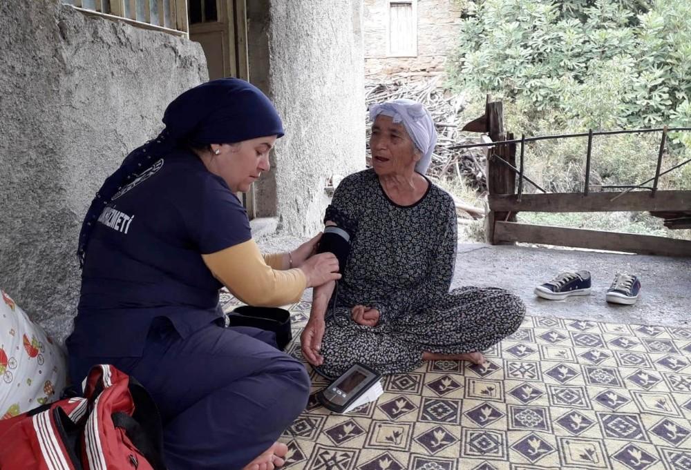 Gazipaşa Belediyesi Evde Sağlık ve Bakım Hizmeti ile gönüllere giriyor