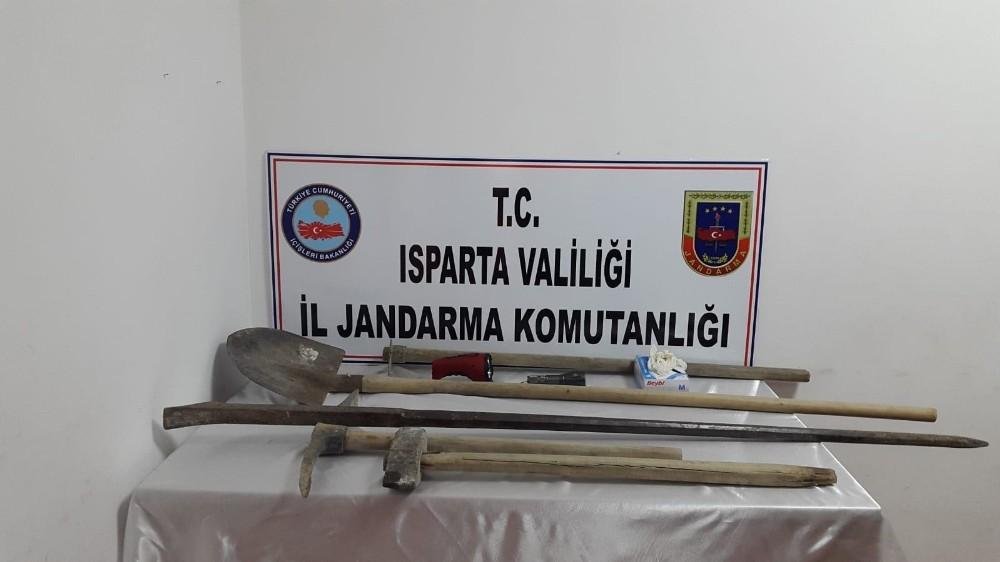 Isparta'da kaçak kazı yapan 5 şahıs yakalandı