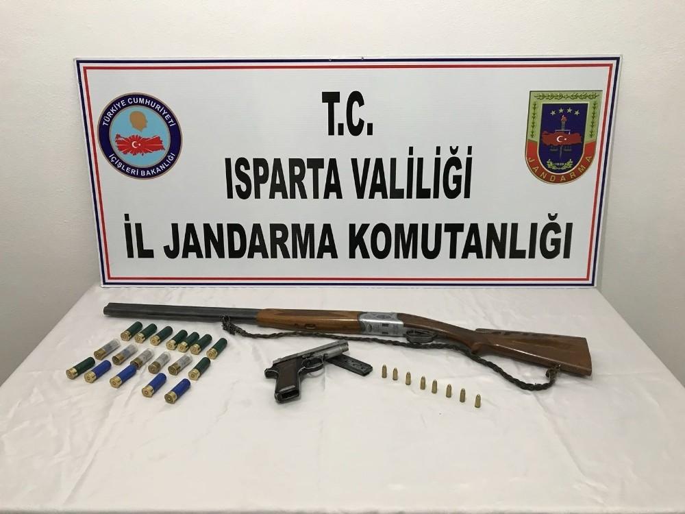 Isparta'da 'Narkotik Ağırlıklı Huzur Güven uygulaması yapıldı