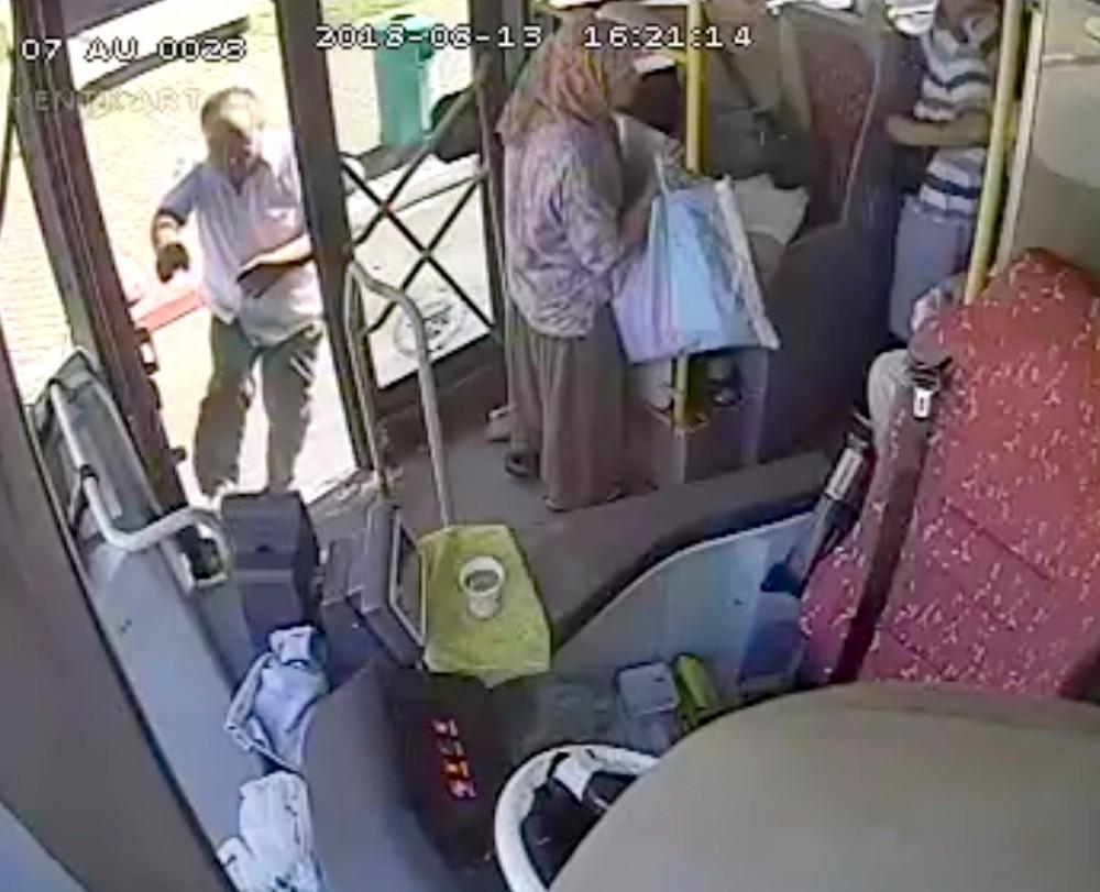 Kahraman şoför, fenalaşan yolcuyu hastaneye götürdü