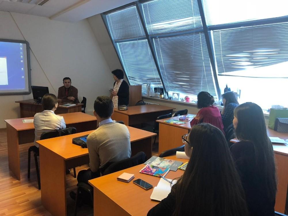Kazakistan'da Geleneksel Motiflerin önemi anlatıldı
