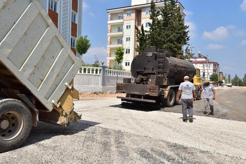 Kepez Belediyesi'nden Habibler'e 20 bin metrekare asfalt