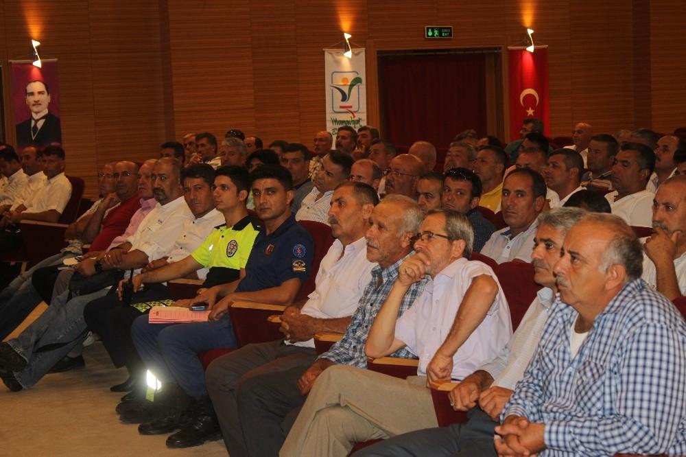 Manavgat'ta okul servisi şoförlerine seminer