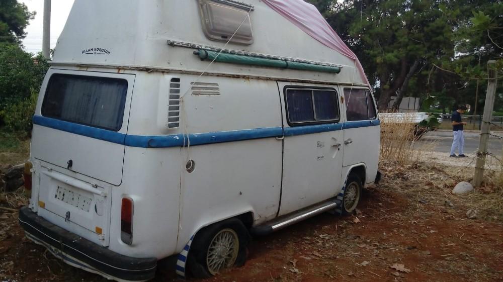 Sahibine ulaşamadığı karavanı çektirdiğini iddia eden şahıs gözaltına alındı