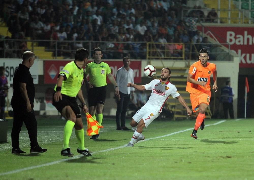 Spor Toto Süper Lig: Aytemiz Alanyaspor: 0 – Göztepe: 0 (İlk yarı)