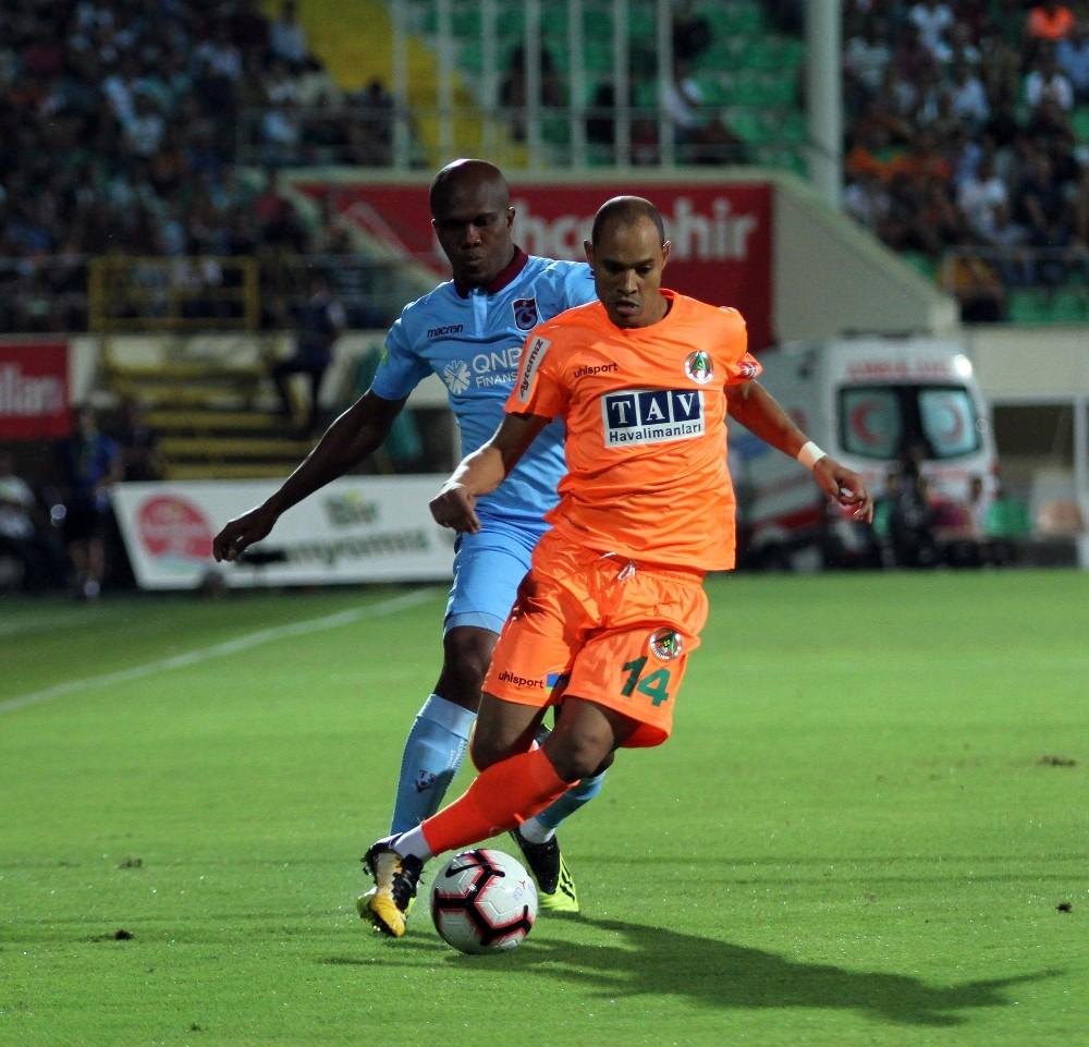 Spor Toto Süper Lig: Aytemiz Alanyaspor: 1 – Trabzonspor: 0 (İlk yarı)