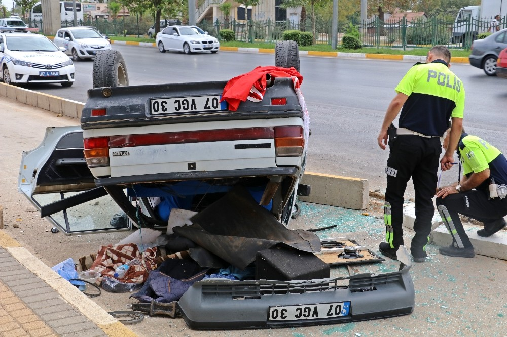 Takla atan otomobildeki biri çocuk üç kişi yaralandı