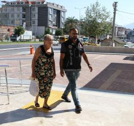 Uyuşturucu operasyonunda 2 kadın gözaltına alındı