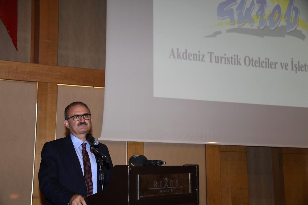 """Vali Karaloğlu: """"Kemer, turizmde tüm ezberleri bozacak, Türkiye'ye örnek olacak"""""""