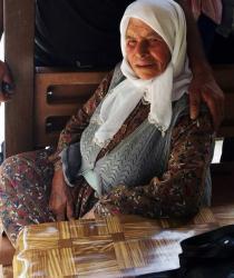 102 yaşındaki kadın kanepeden düşerek öldü