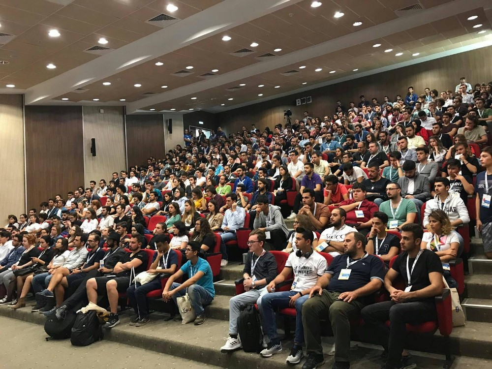 """Akdeniz Üniversitesi'nde """"DevFest Antalya 2018 Konferansı"""""""