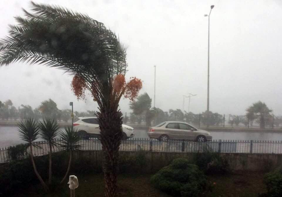 Alanya yağmura hazırlıksız yakalandı