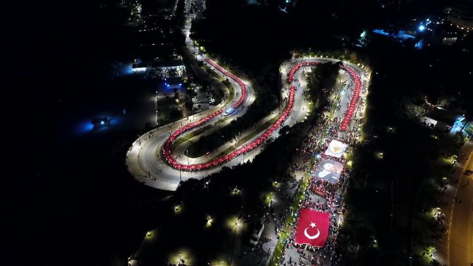 Antalya'da Cumhuriyet coşkusu meydanlara sığmadı
