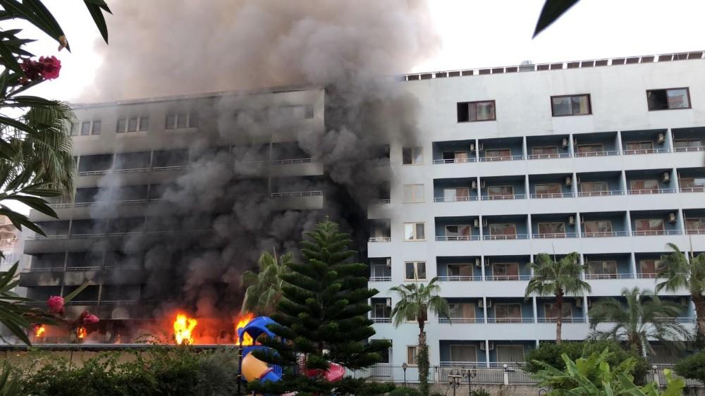 Antalya'da otel yangını