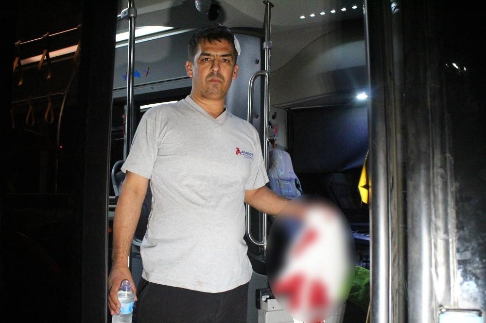Antalya'da özel halk otobüsüne şoförüne levyeyle saldırı