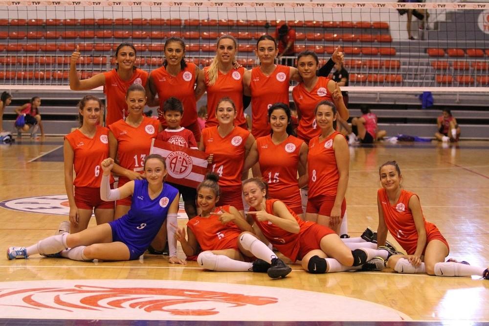 Antalyaspor Kadın Voleybol takımı Ligdeki 3.maçına, Pazar günü çıkacak